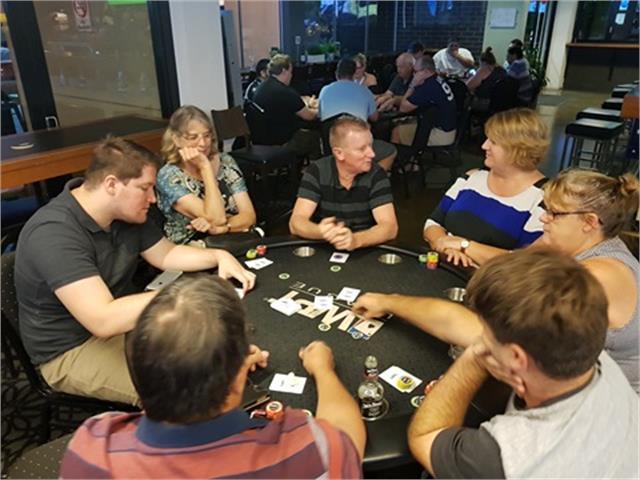 Poker browns plains 22 slot bag mats